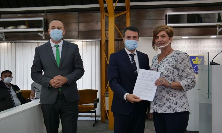 Potpisani ugovori o zapošljavanju 23 demobilisana borca iz ZDK-a