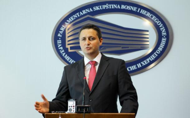 Bećirović: Zajednička izjava Višković-Brnabić o hidrocentralama je antiustavna