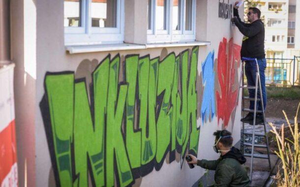 Banovići dobili mural inkluzije povodom Međunarodnog dana djeteta